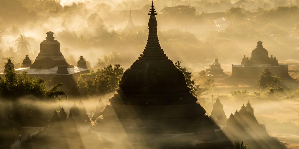 mrauk u temples sunset