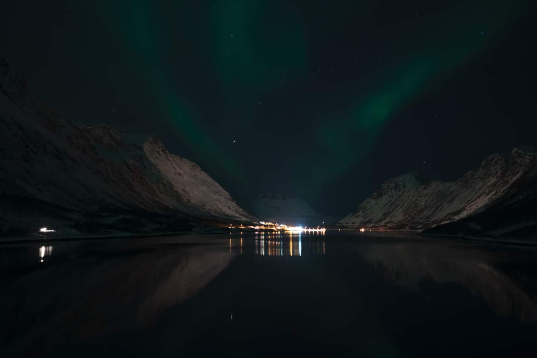 photo sous exposée aurores boréales