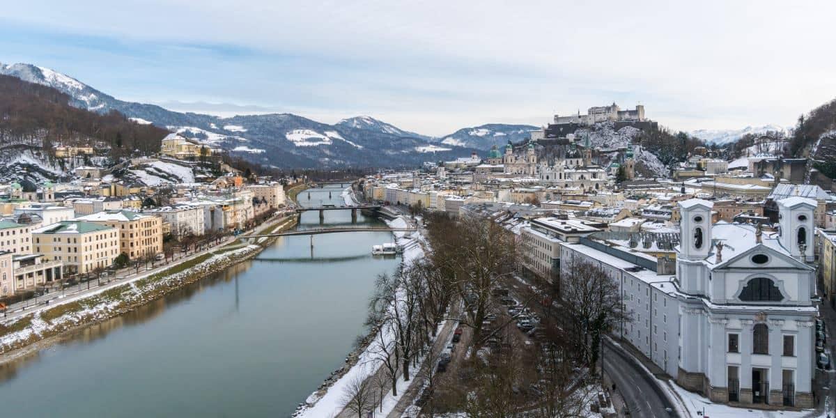 centre ville salzbourg chateau neige Autriche Alpes | Blog Vincent Voyage