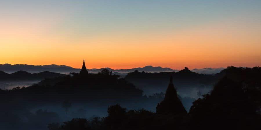 Lever de soleil à Mrauk U en Birmanie Blog Vincent Voyage