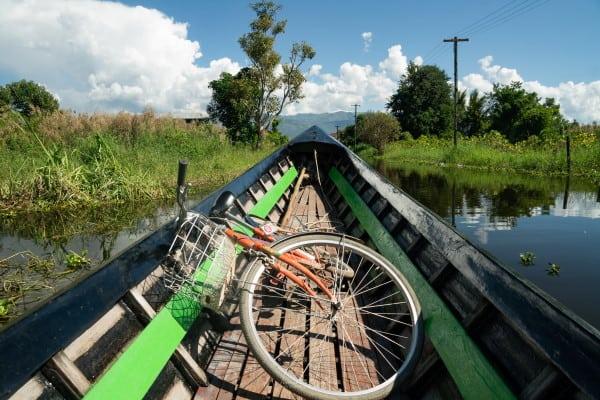 traversée lac inle en vélo