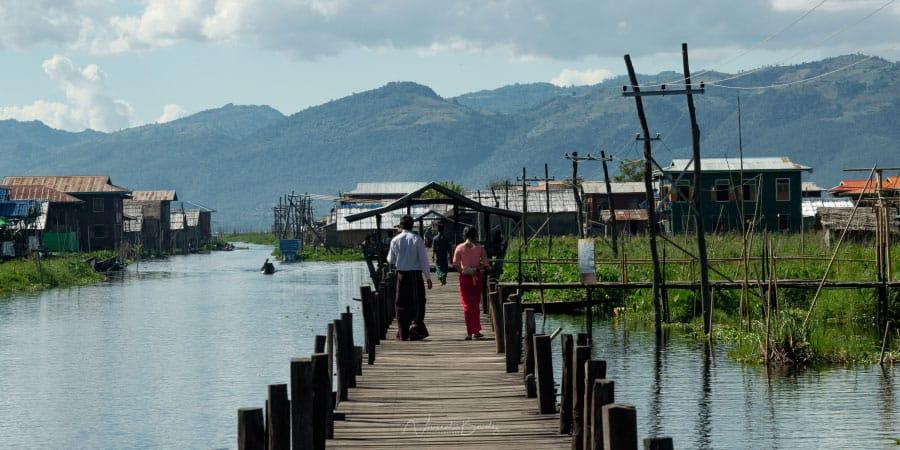 ponton sur le lac Inle en Birmanie