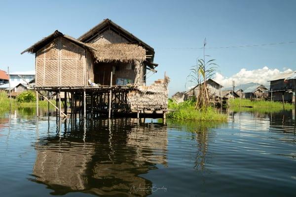 maison jardins flottants lac inle en Birmanie Myanmar