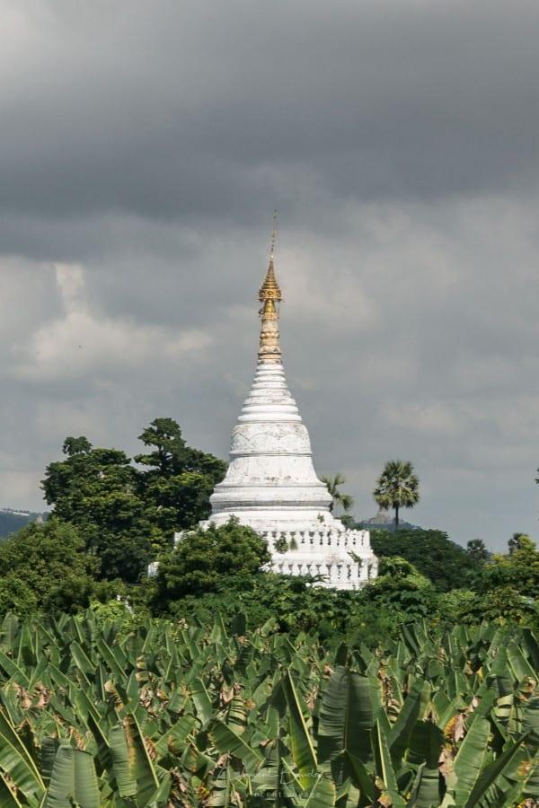 Pagode à Inwa à Mandalay