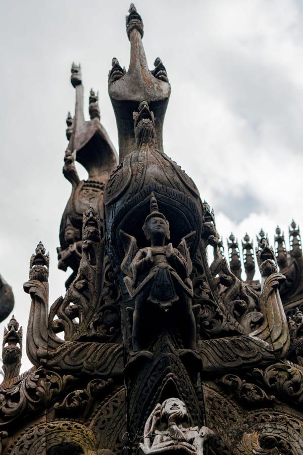 Sculptures monastère Kyaung Shwenandaw à Mandalay