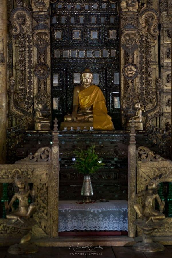 Bouddha monastère Kyaung Shwenandaw