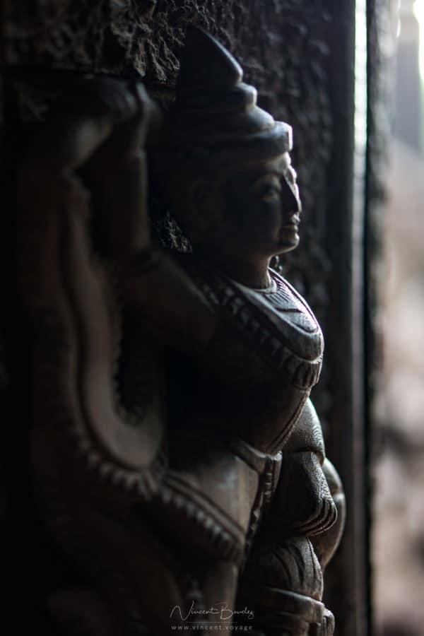 statues temple teck Mandalay