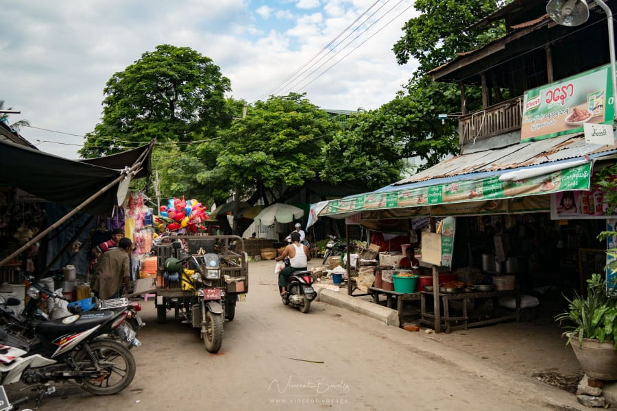 Streetlife de mandalay en Birmanie