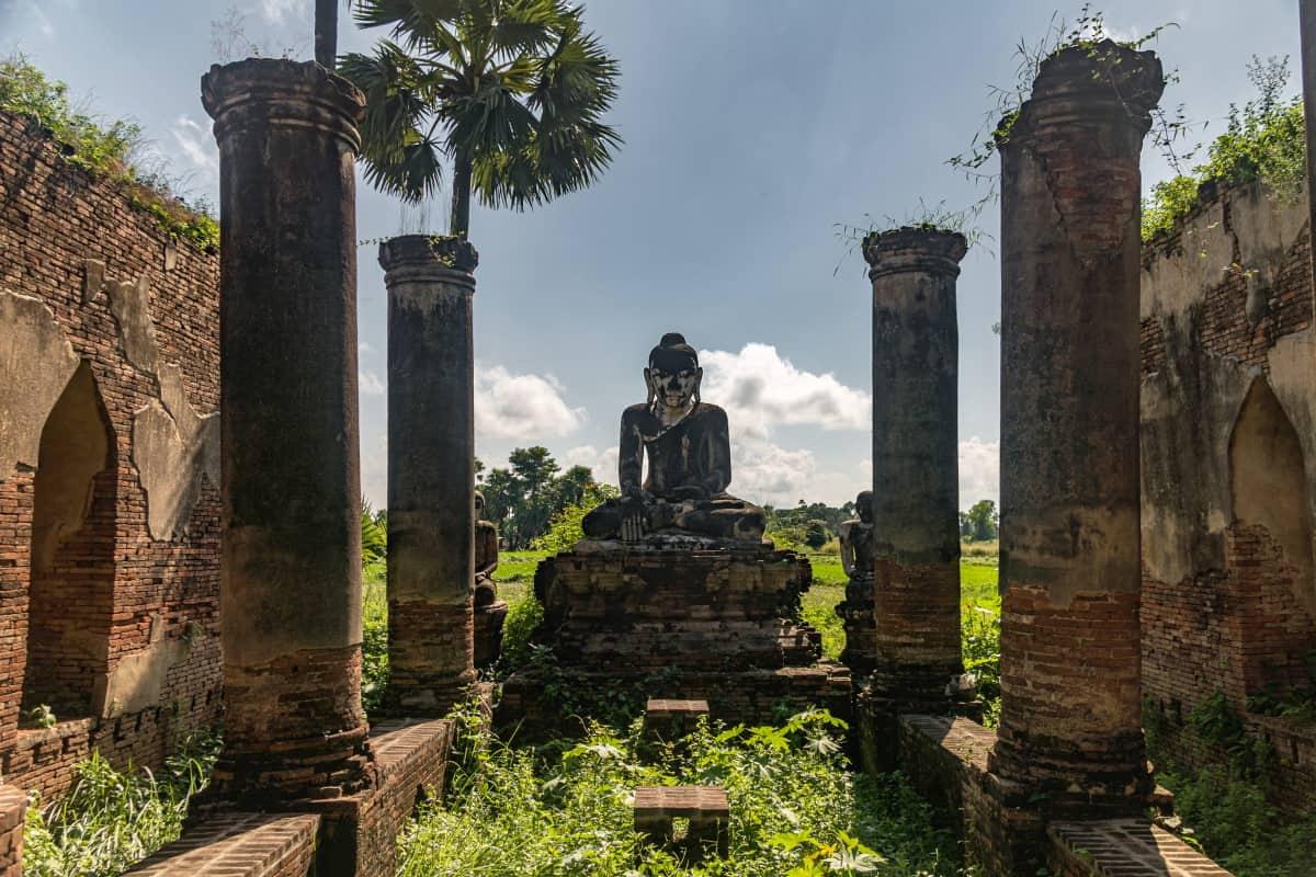 Yadana Hsemee Inwa Birmanie