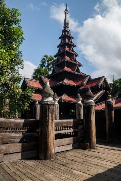 monastère de Bagaya Kyaung à Inwa Mandalay Birmanie