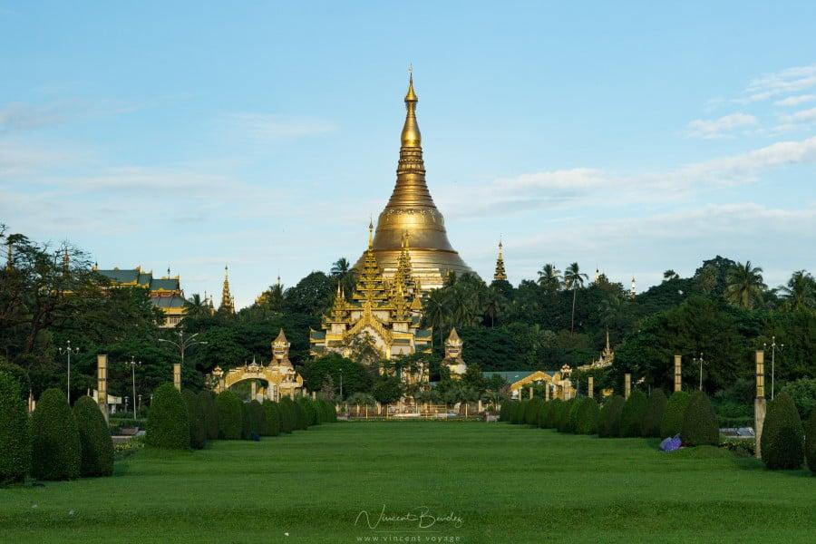Pagoda Shwedagon à Yangon en Birmanie