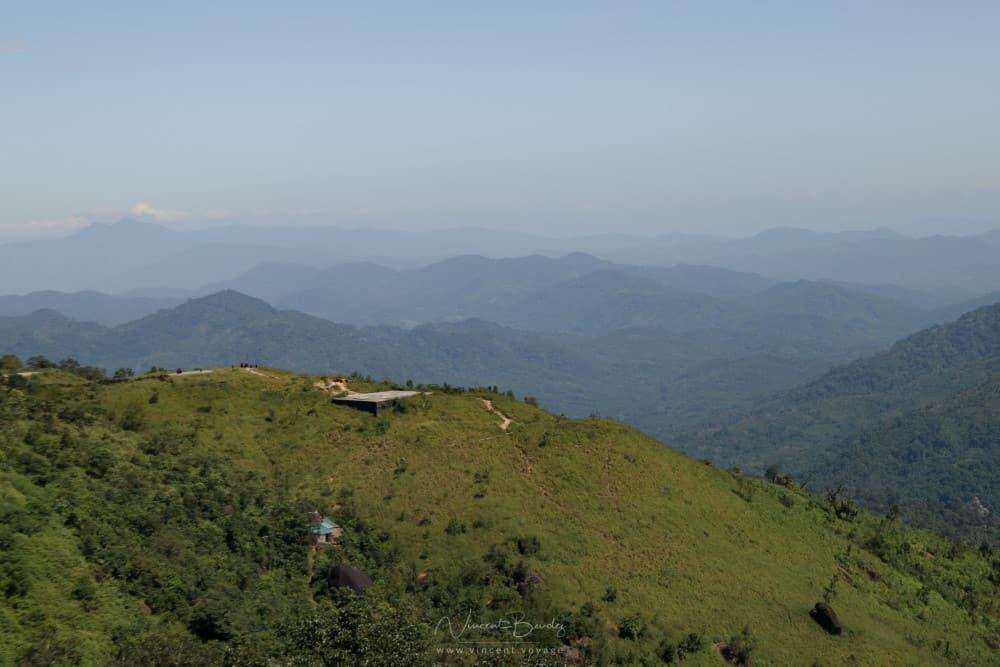 Rocher d'or mont kyaiktiyo birmanie paysages