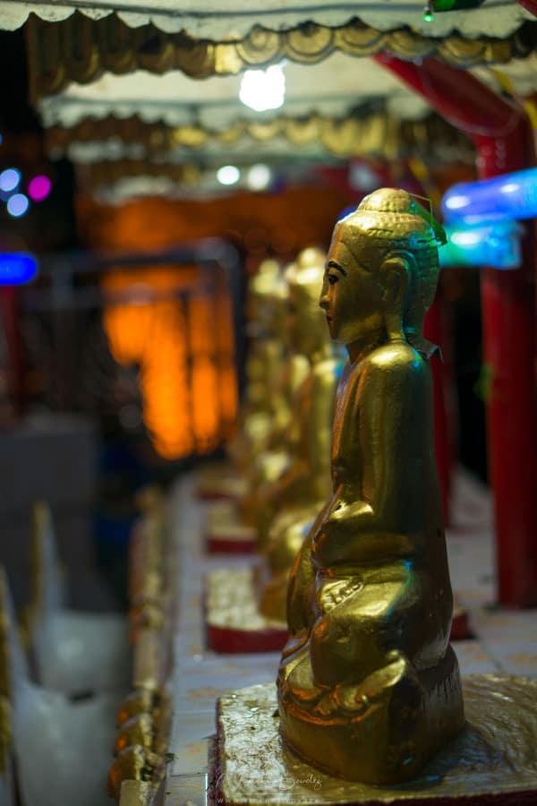 Rocher d'or mont kyaiktiyo birmanie