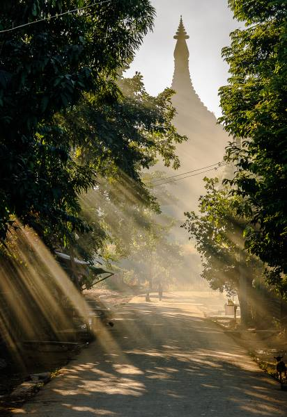 temple mrauk u lumiere
