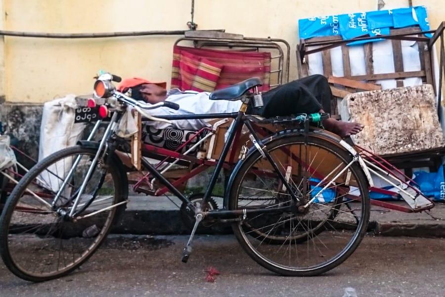 Visite des rues de Yangon en Birmanie