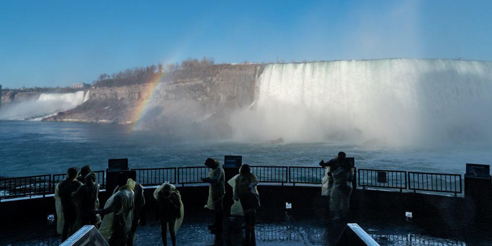chutes du niagara journey behind the falls Canada | Blog Vincent Voyage