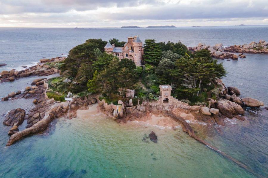 chateau de costaeres côte de granit rose