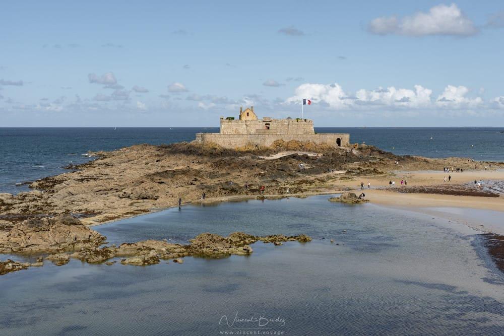 Le fort national à Saint Malo en Bretagne