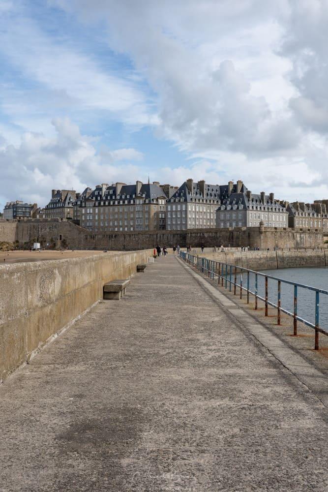 Phare mole des noires Saint Malo