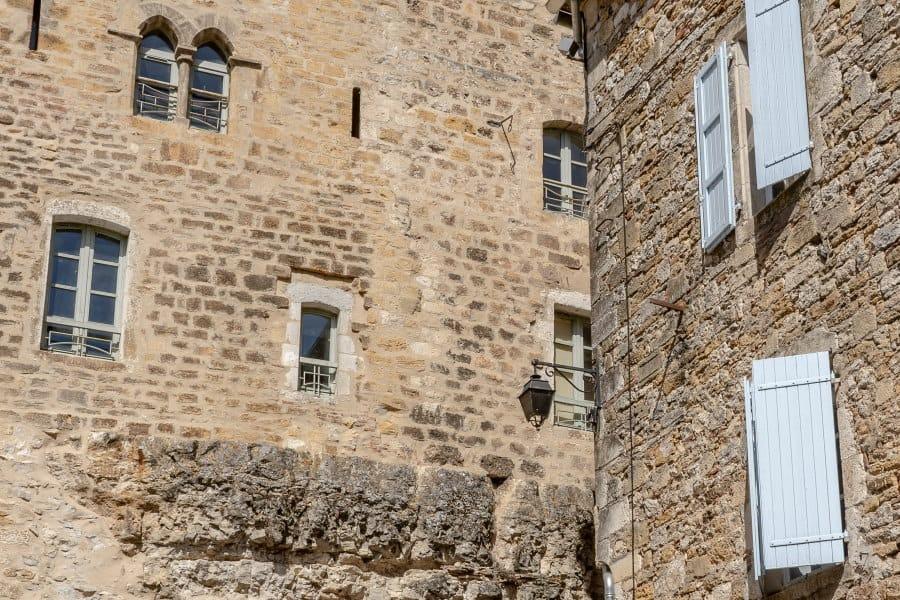 maisons médiévales de Puy l'évêque dans le Lot
