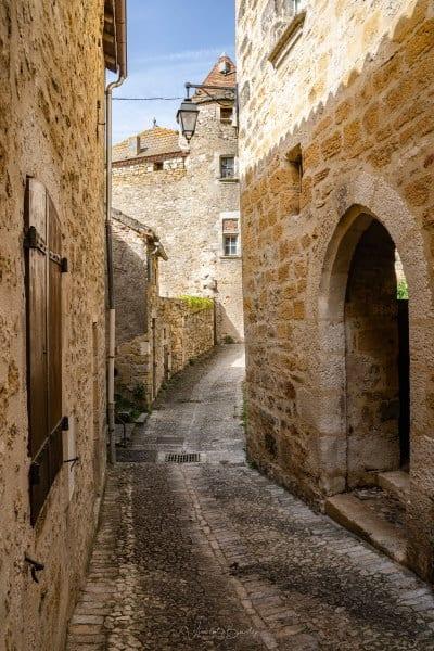 Le village de Puy l'évêque dans le Lot