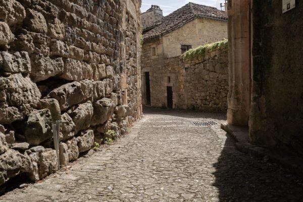 village médiéval de Puy l'évêque