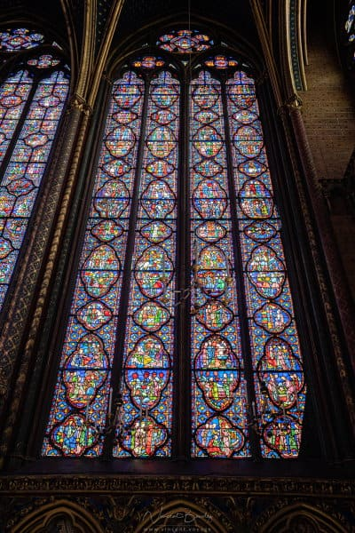 Hauteur des vitraux de la Sainte Chapelle de Paris