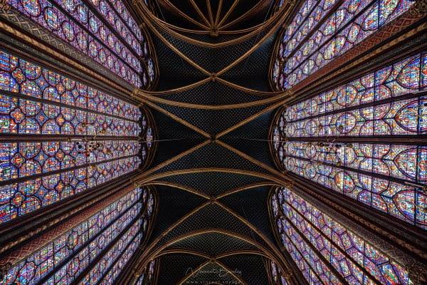 vitraux de la sainte chapelle à Paris en France