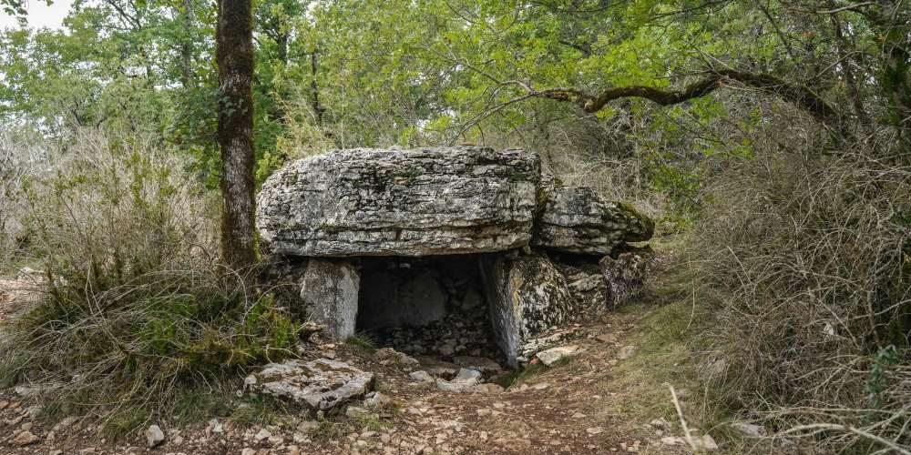 dolmen vallée du lot Occitanie | Blog Vincent Voyage