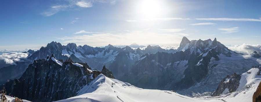 vue aiguille du midi montagnes alpes | Blog Vincent Voyage