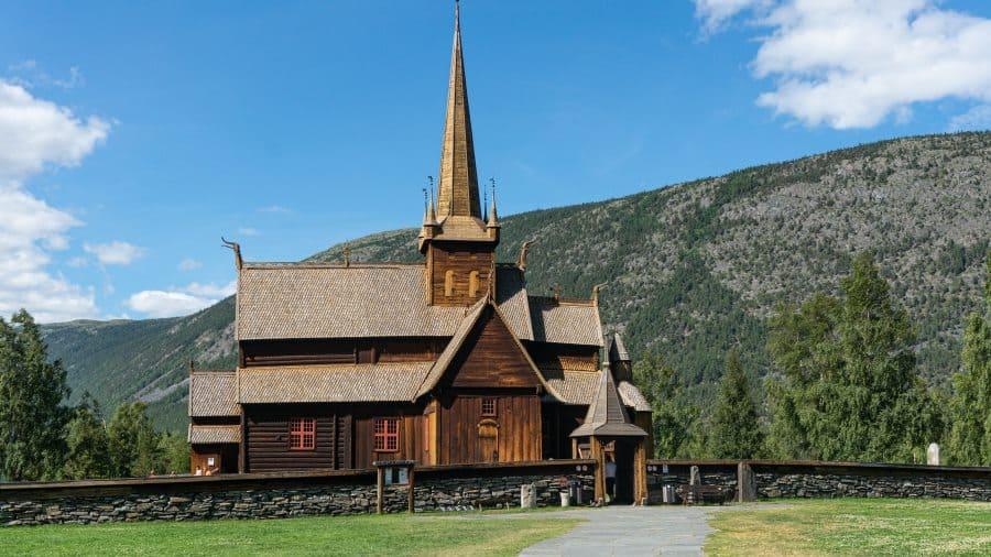 stavkirke eglise de Lom en Norvège | Blog vincent voyage