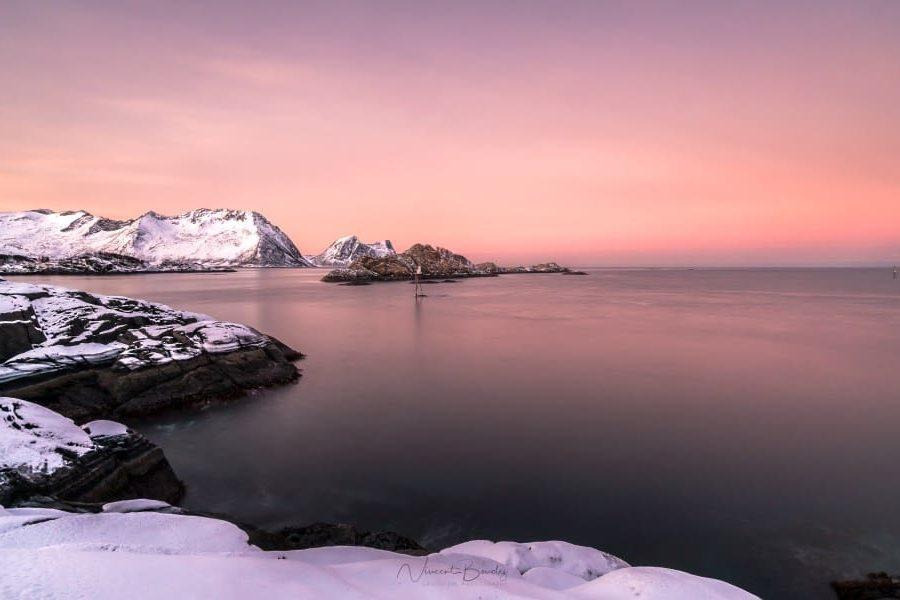 Lever de soleil sur Hamn ile de Senja en Norvege voyage