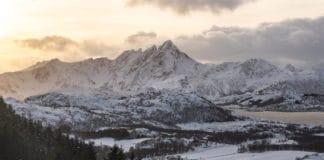 Montagnes iles Lofoten en Norvège