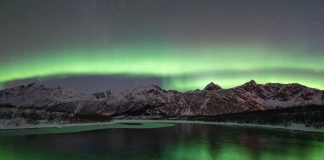 Aurores boréales iles lofoten en Norvège