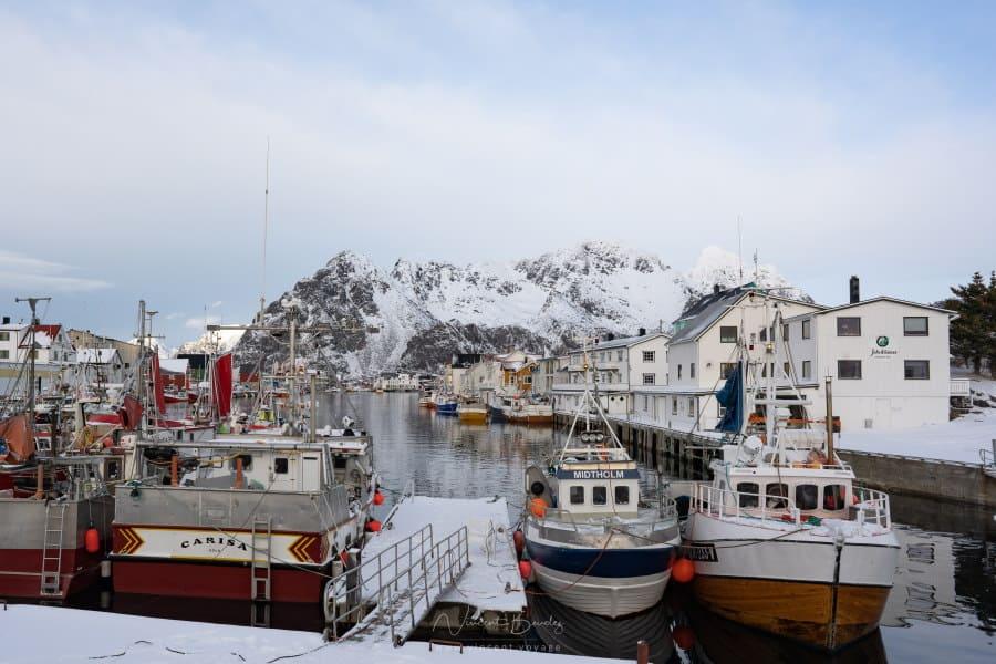 le village de pecheurs d'henningsvaer dans les iles Lofoten