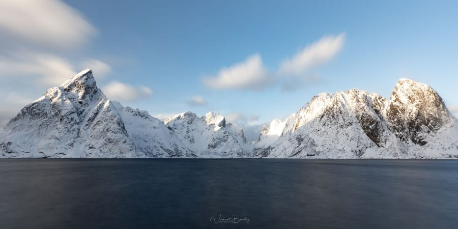 montagnes des iles Lofoten en Norvège