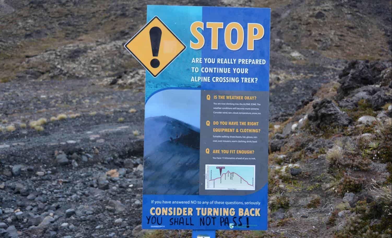randonnée tongariro stop panneau informations | Blog Vincent Voyage