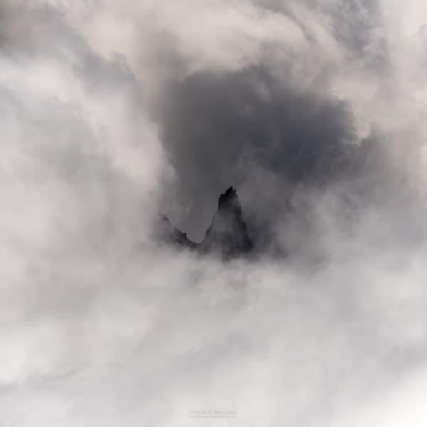 chamonix montagnes nuages pic grands montets alpes france | Blog Vincent Voyage
