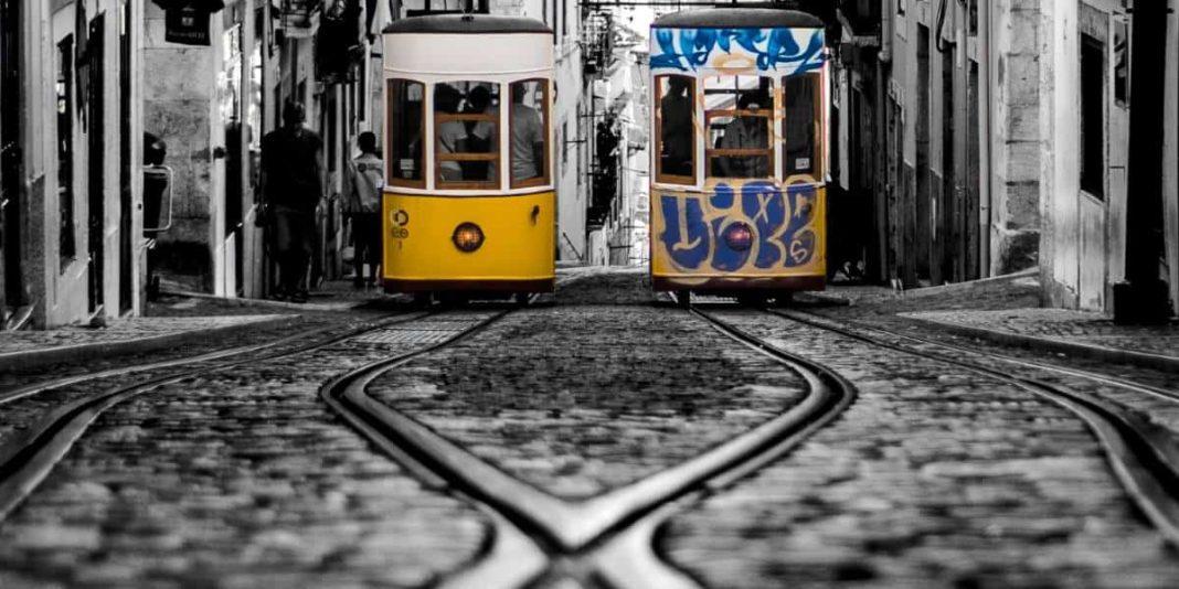 streets lisbonne tramway portugal | Blog VIncent Voyage